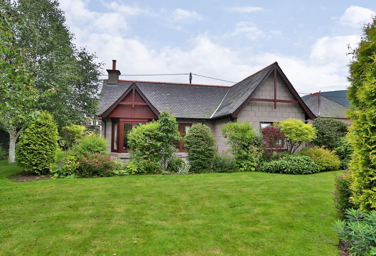 Arisaig Cottage ⇣